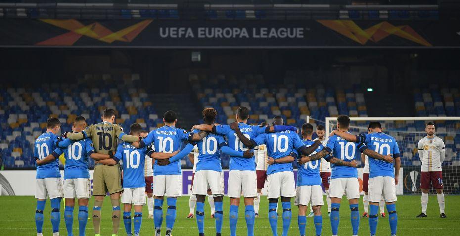Napoli hylder Maradona med sejr