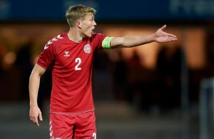 Premier League-klub vil hente dansk back inden transferdeadline