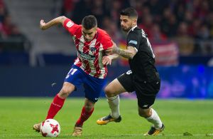 Selvmål hjalp Sevilla på vej til sejr