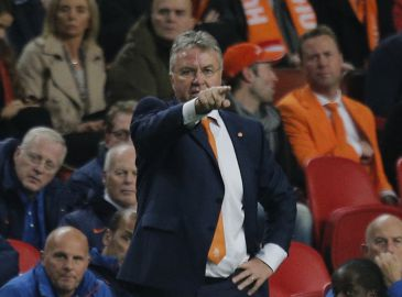 Holland fyrer Hiddink