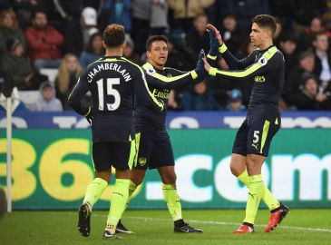 Se Arsenal smadre Premier League-bundproppen Swansea