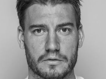 Video: Se alle Bendtner-aktioner fra debuten