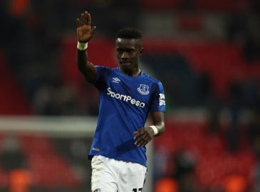 Everton binder Gueye til 2022
